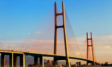 打造最美長江岸線:拒96個污染項目進入
