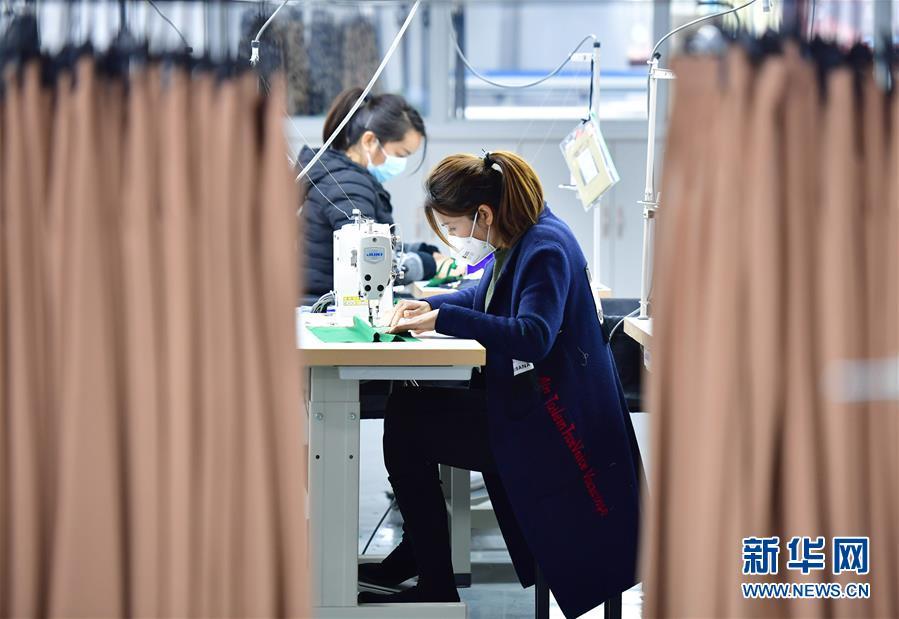 (新华全媒头条·图文互动)(3)奔向新的幸福——陕西贫困县全部摘帽的N个截面